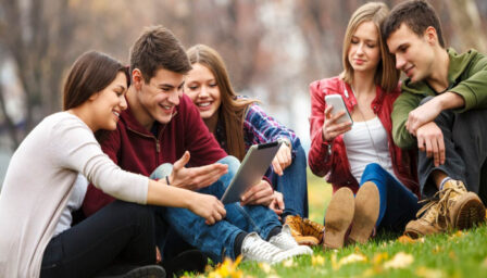 7 Advantages of Using Mobile Phones for Students