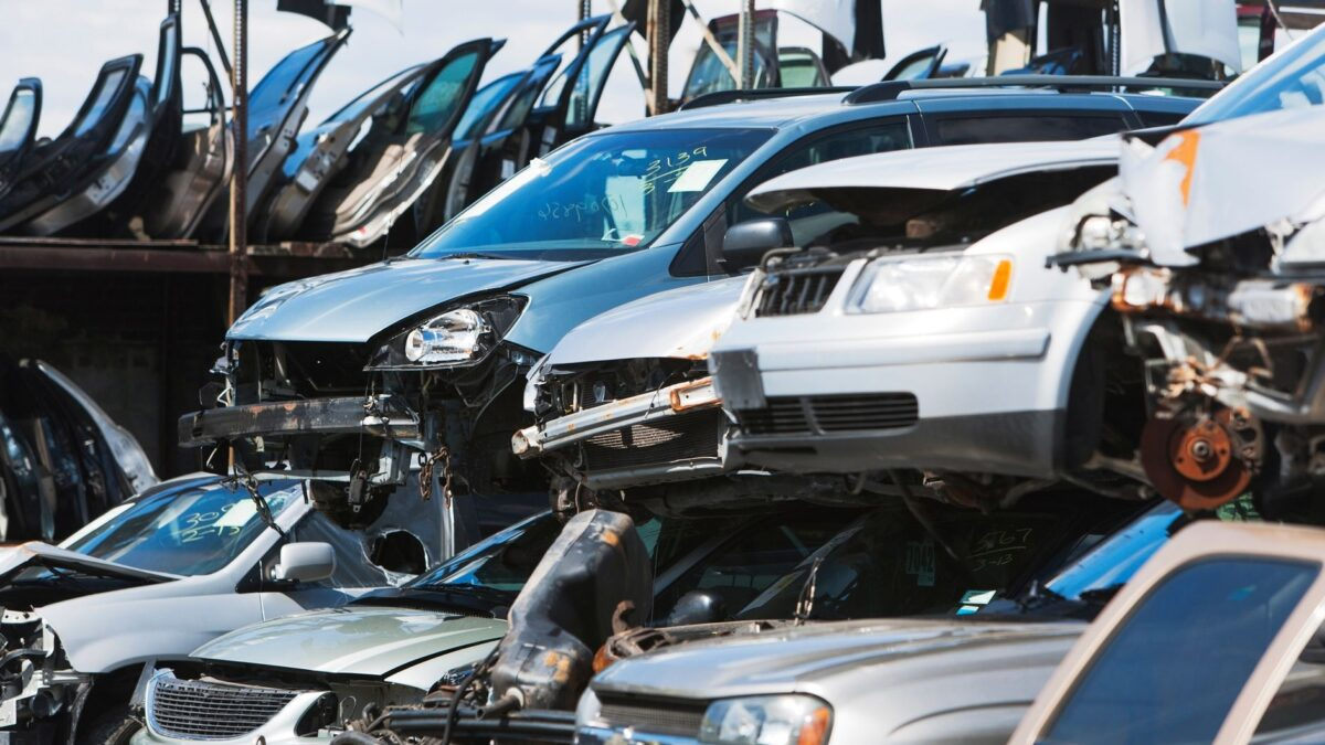 Easy Tips to Find Out Trusted Scrap Car Dealer in Melbourne