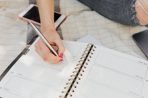 Writing a Referencing List? Keep These 4 Steps in Mind!